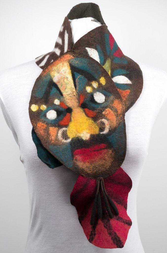 Echarpe-laine-feutree-scarf-masques-marron