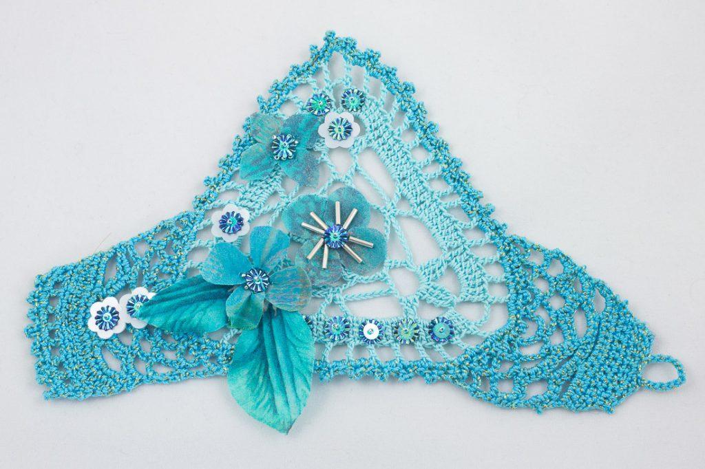 bracelet-manchette crochet turquoise fleurs soie