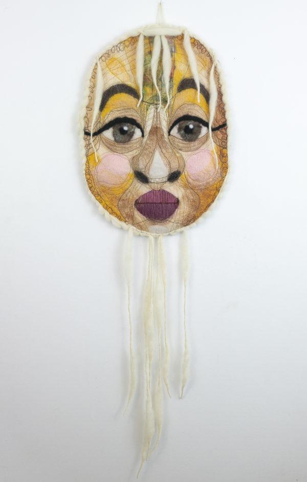 Masque décoration murale textile laine feutre brodée