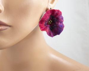 boucles d'oreilles feutre broderie perles coquelicot rouge violet