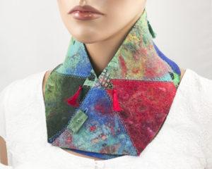 col croisé patchwork laine feutrée bleu turquoise rouge