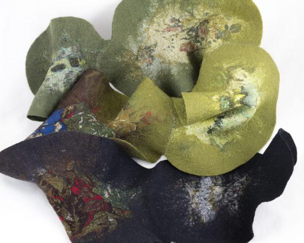 Echarpe feuilles laine feutrée et soie couleur kaki