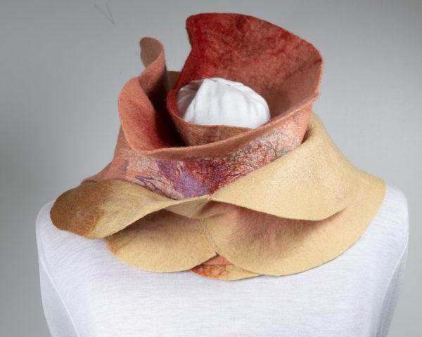 écharpe feuilles laine feutrée rouille abricot sable