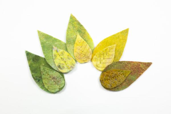 lot de 5 feuilles laine feutrée brodees