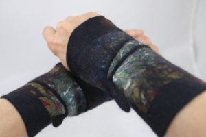 Manchettes réversibles laine feutrée et soie -noir kaki marron bleu